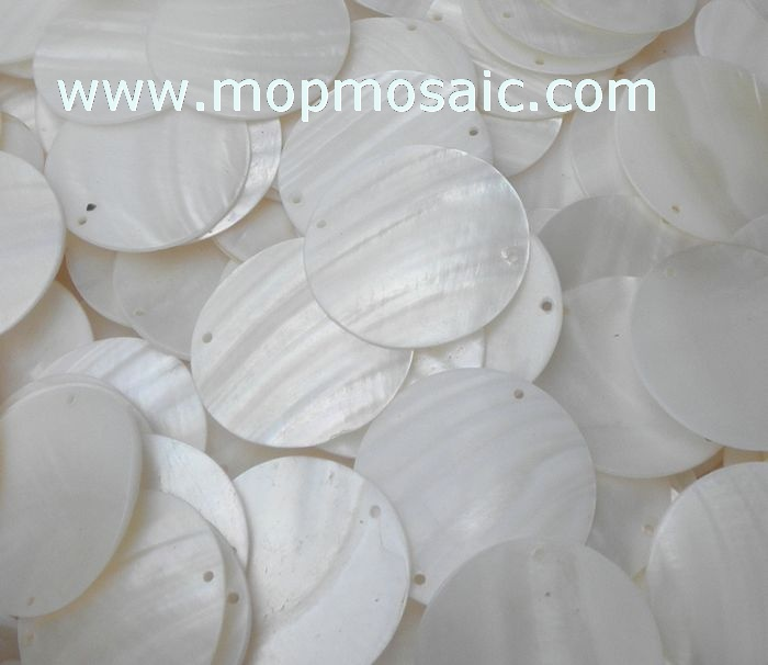 White shell chandelier accessory/shell circles